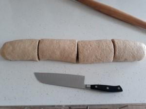 Cinnamon Rolls Cut 1
